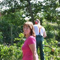Vermieter: Am arbeid in Garten.