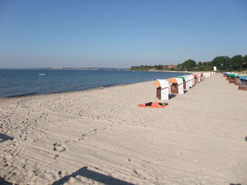 herrlicher Sandstrand in Südlage
