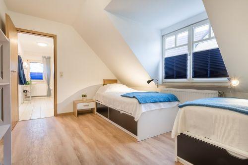 Schlafzimmer 3 mit 2 Einzelbetten