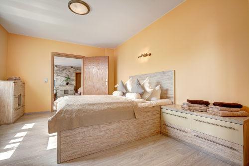 Schlafzimmer Bett 160 cm Breit