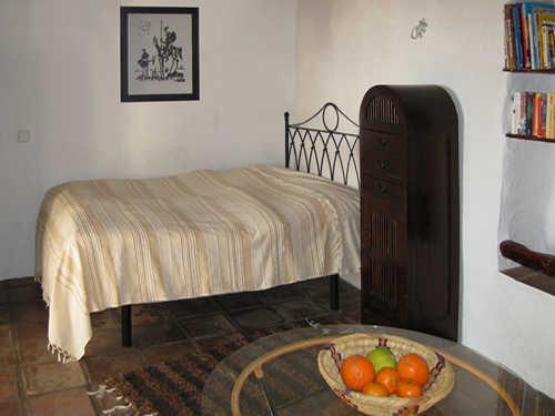 Wohnraum mit Bett