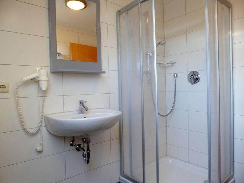 das komfortable Duschbad mit WC