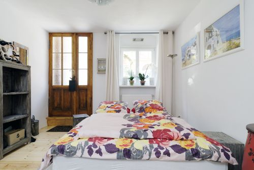 Wohn-Ess-Schlafzimmer