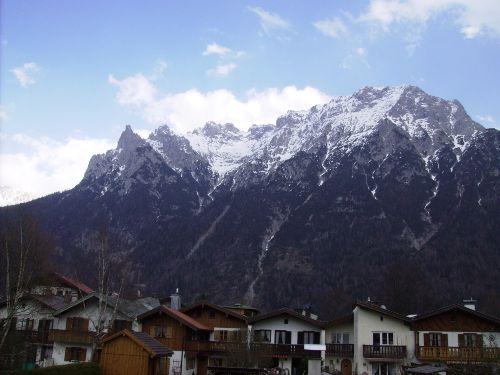 Blick vom Balkon auf's Karwendelgebirge