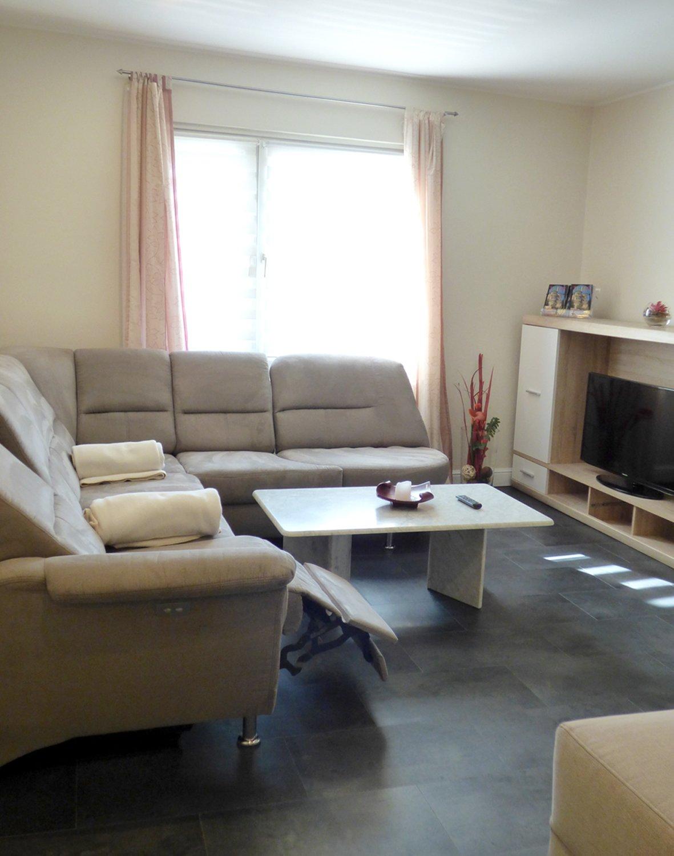 2. Etage, Wohnzimmer mit Schlafmöglichkeit
