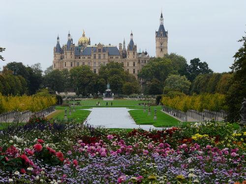 Schweriner Schloss mit Schlosspark