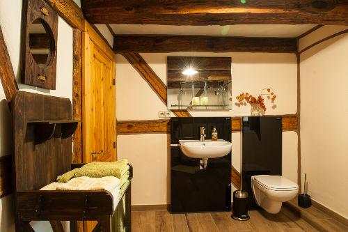 2. Bad im EG von Dusche aus gesehen