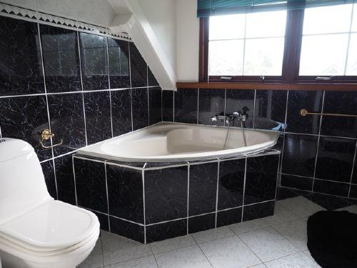 Obergeschoss;Badewanne, sep. Dusche