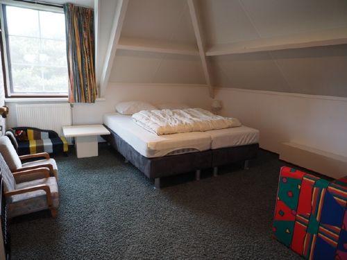 Schlafzimmer auch mit Kindermöbeln