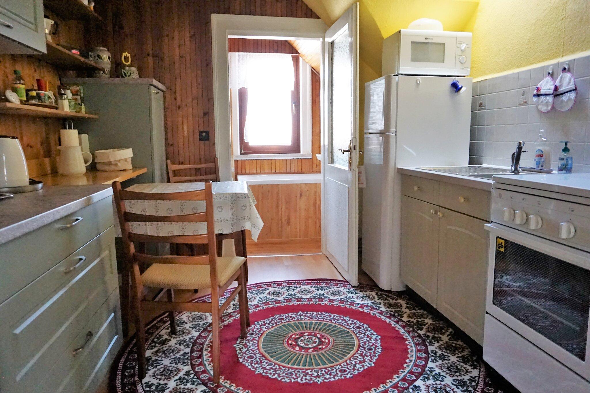 Wohn/ Schlafzimmer mit Leseecke