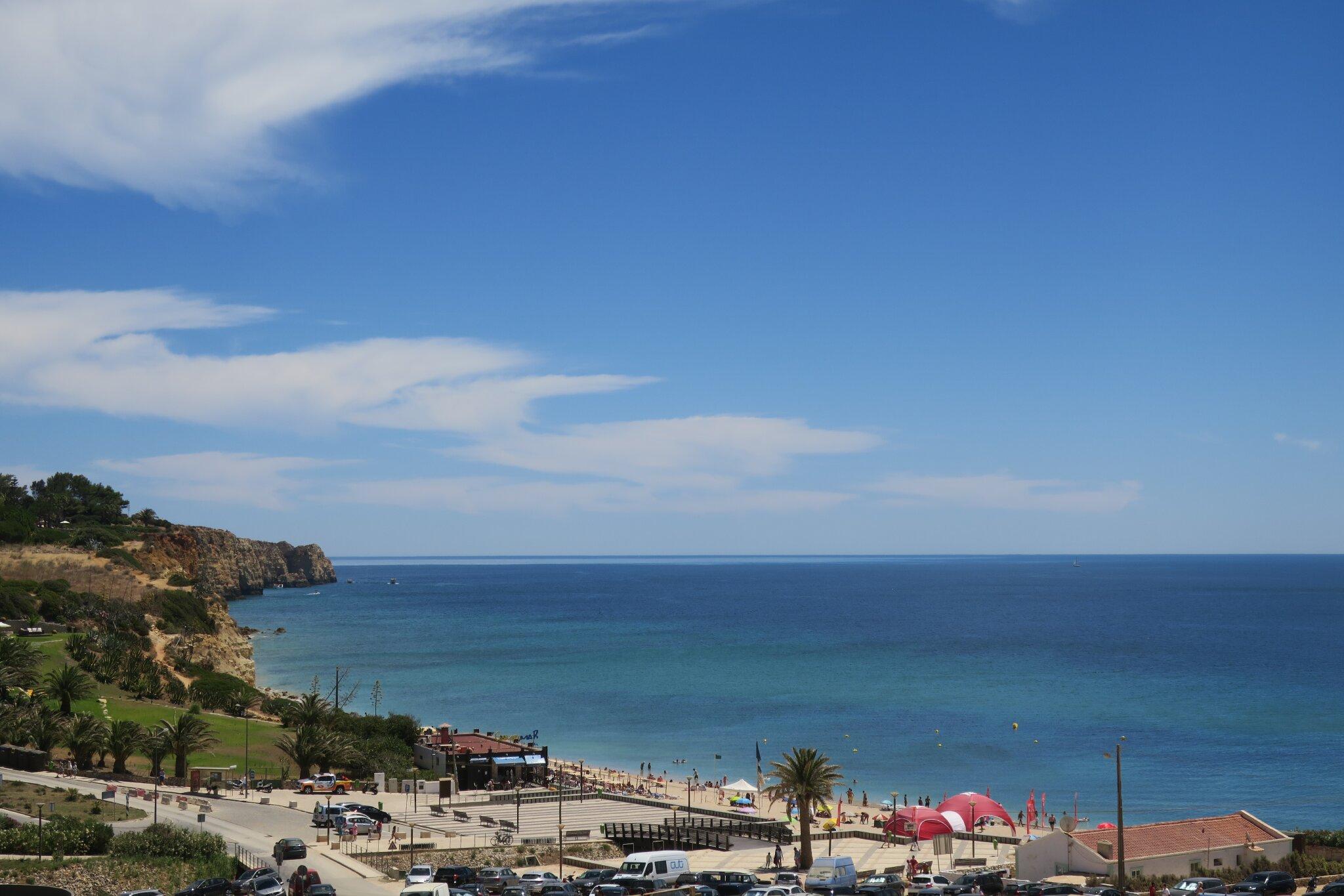 Ihr riesen Strand in 1500 m Porto de Mós