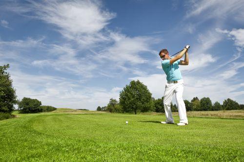2 wunderschöne 18 Loch Golfplätze