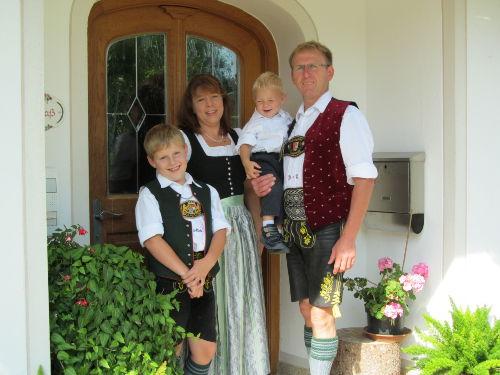 Ihre Gastgeberfamilie vom Kronast-Hof