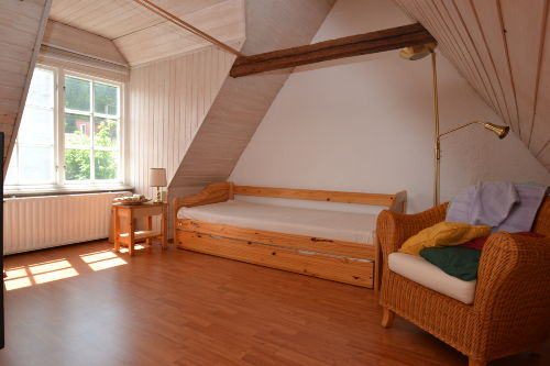 Schlafzimmen mit 1 Einzelbett im 2. OG