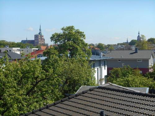 Dachterrasse mit Kirchenblick
