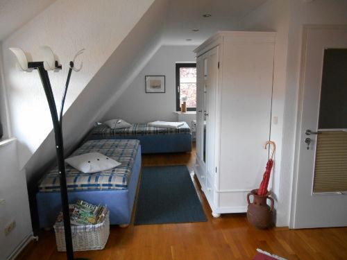 Separater Wohnbereich mit 2 Schlafliegen