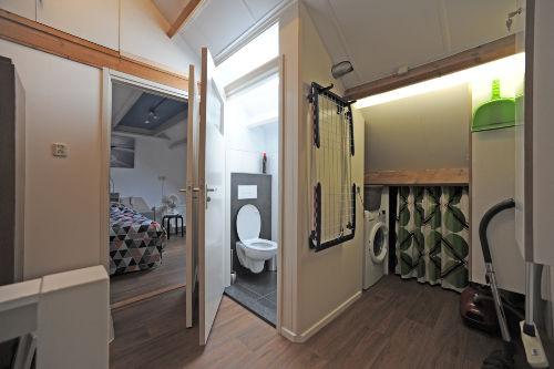Extra Toilette und Waschmaschine