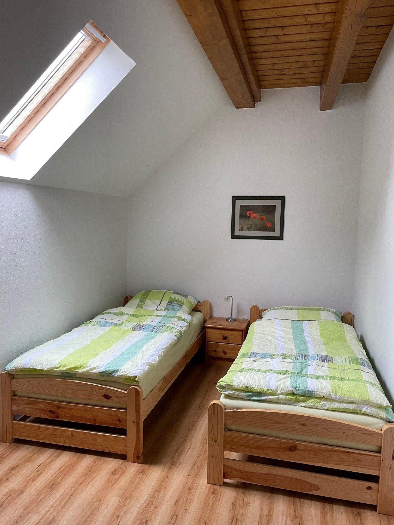 Schlafzimmer (Bett 140cm breit)