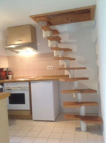 K�chenbereich +Treppe zum Schlafbereich