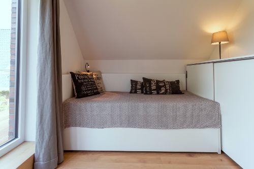 Schlafzimmer mit zusätzl. Ausziehbett
