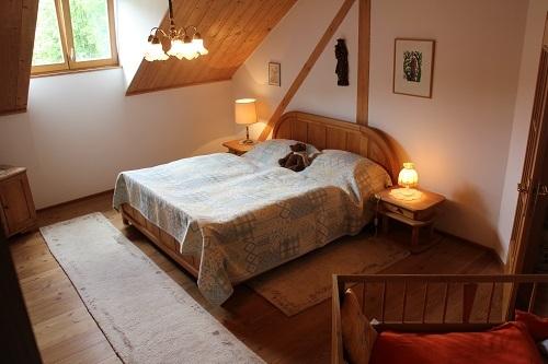 Elternschlafzimmer mit Zusatzbett