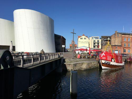 oder entdecken Sie den Stralsunder Hafen