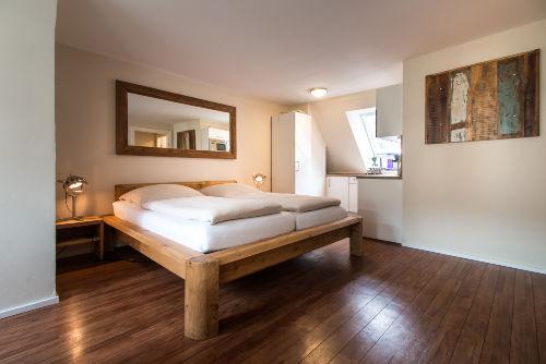 Hochwertiges Bett mit Elektrorahmen