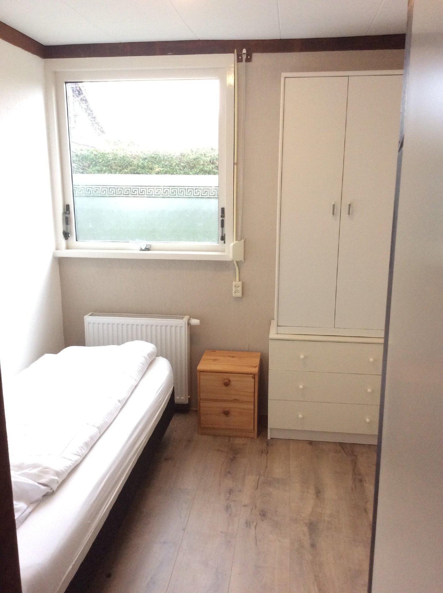 Schlafzimmer, matratze 90x200 cm.