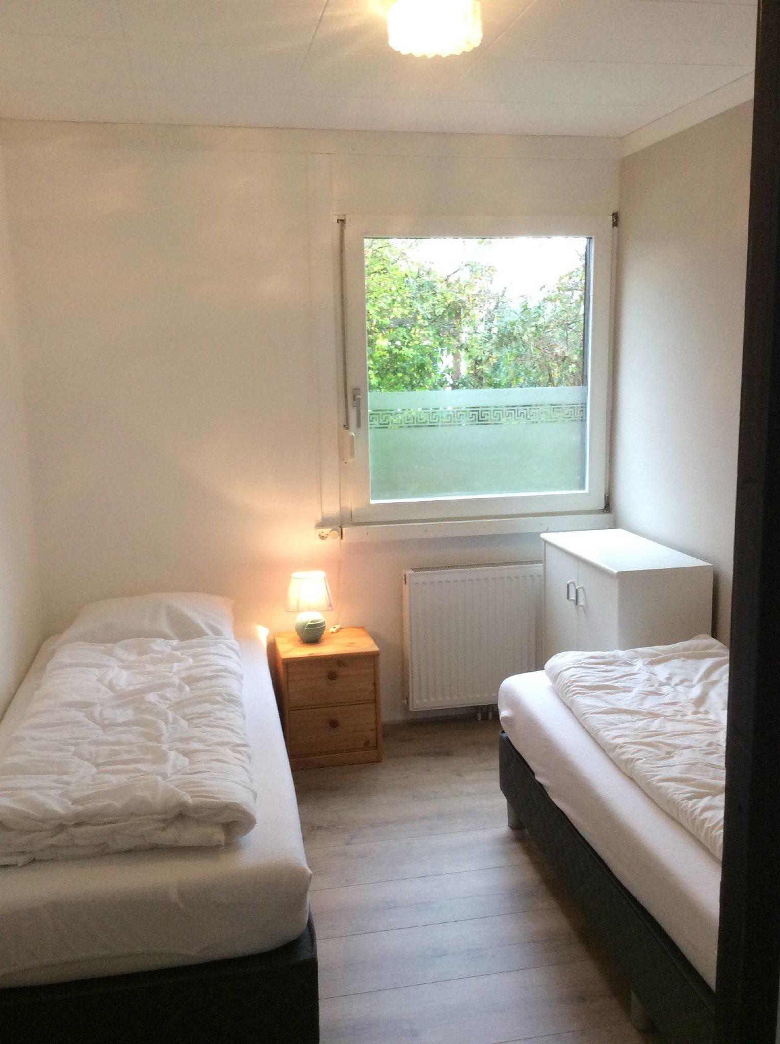Schlafzimmer, matratze 90x 200 cm.