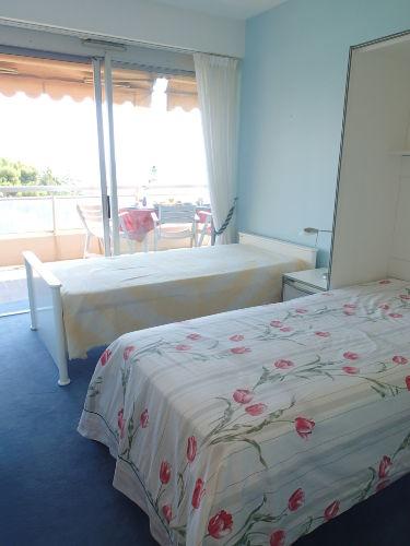 Schlafzimmer 2 (hier mit 2 Einzelbetten)