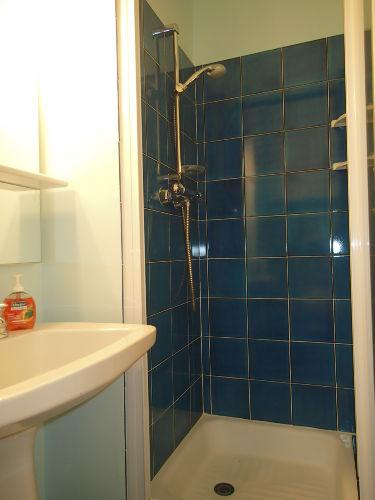 Bad 2 mit Dusche und WC