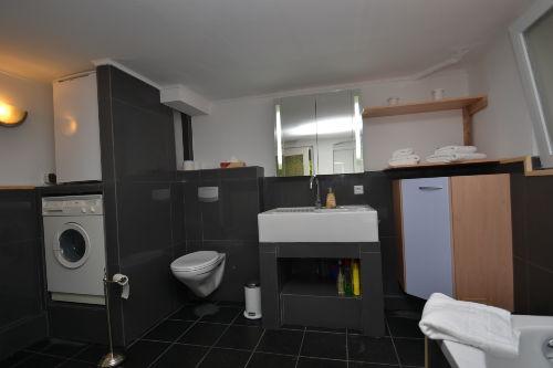 Vollbad, WC, Waschmaschine