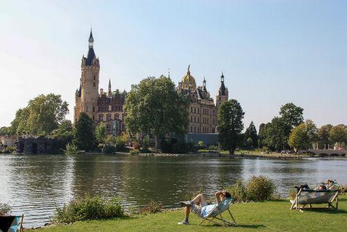 Schweriner Schloss vom Marstall