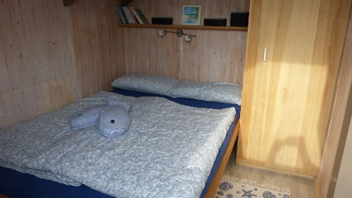 Schlafzimmer 2 - Bett 140 x 200 cm
