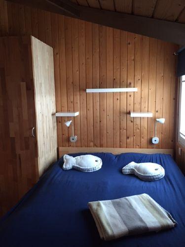 Elternschlaftzimmer Bett 140 x 200 cm