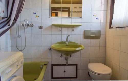 Bad, Dusche, Waschmaschine