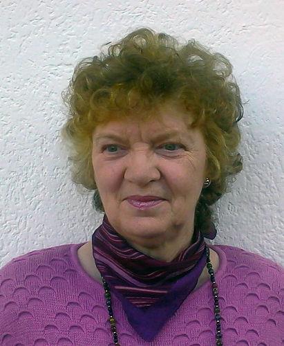 Frau Helmi Kirfel