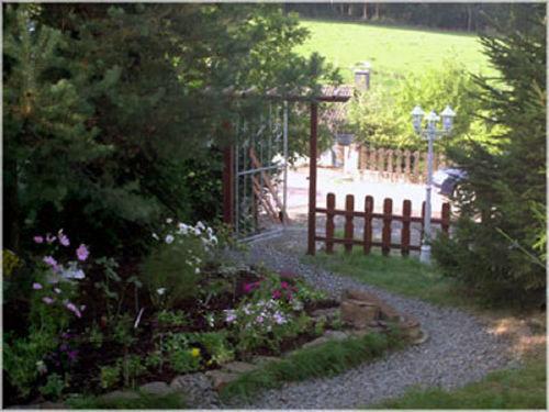Im Garten vor dem Haus