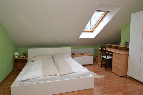 Schlafzimmer im Dachgescho�