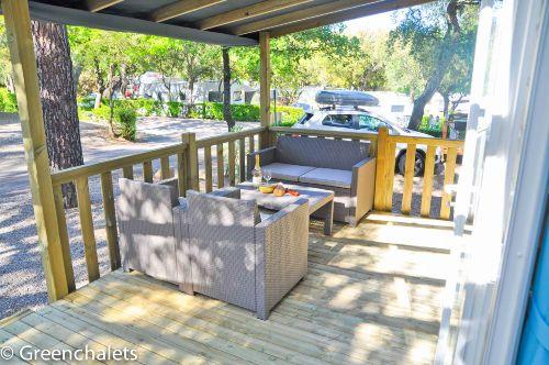 Greenchalet mit veranda und loungeset S