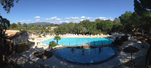 Pool vom Campingplatz Lei Suves