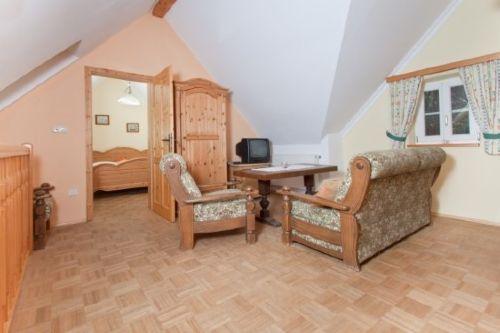 gem�tliches Wohnzimmer mit Sitzecke
