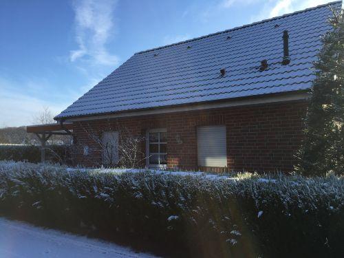 Außenansicht bei Schnee