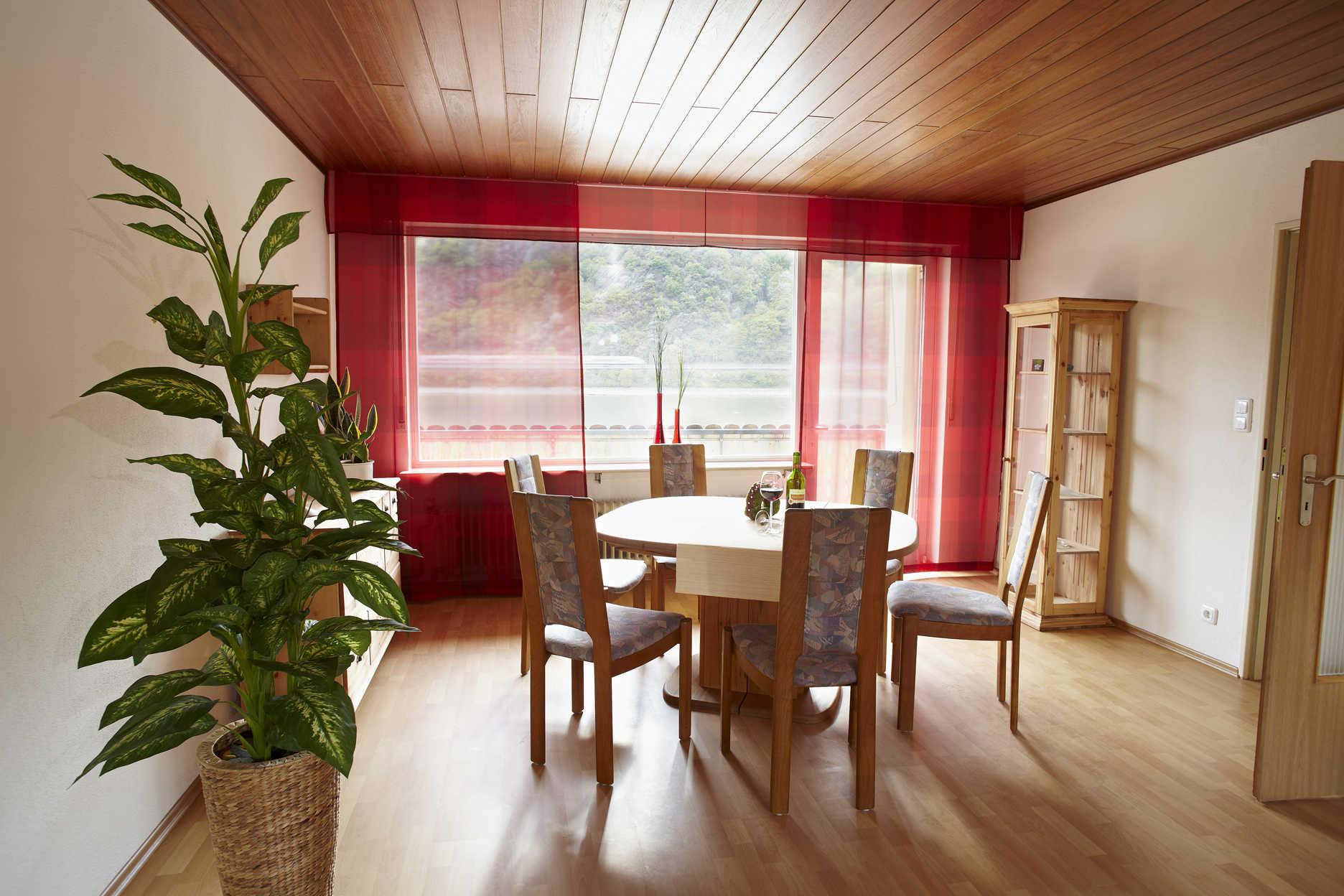 Schlafzimmer 2 Etage Rheinaussicht