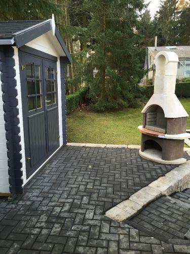 Grillplatz mit Gartenhütte
