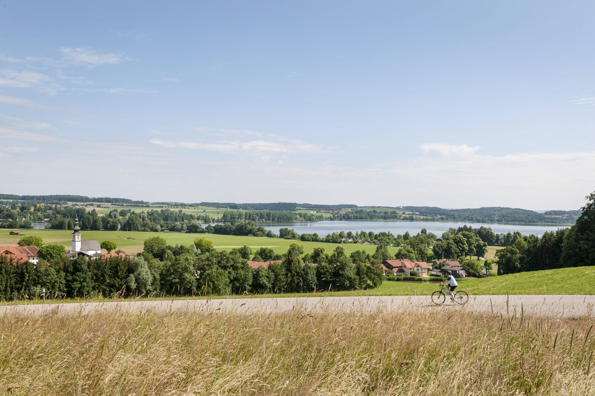 Unser kleines ruhiges Dorf am See