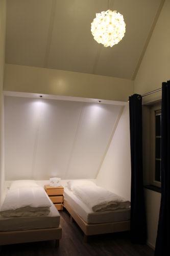 Das kleinere Schlafzimmer oben.