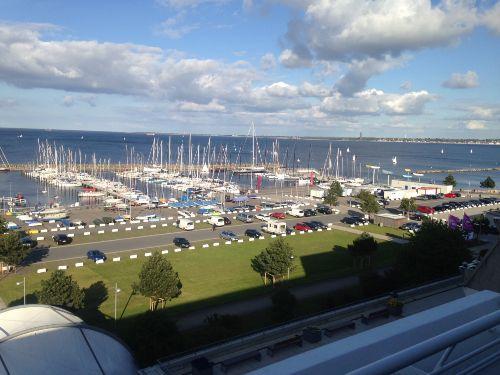 Blick vom Balkon zum Yachthafen