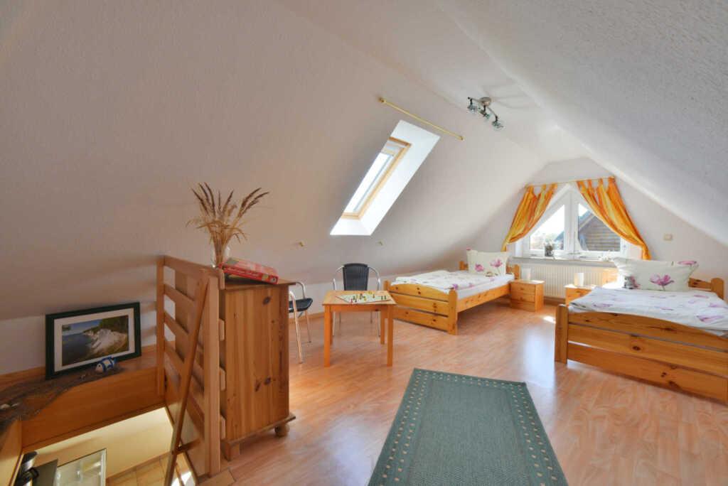 Ferienhaus am Jasmunder Bodden in l�ndlicher Lage