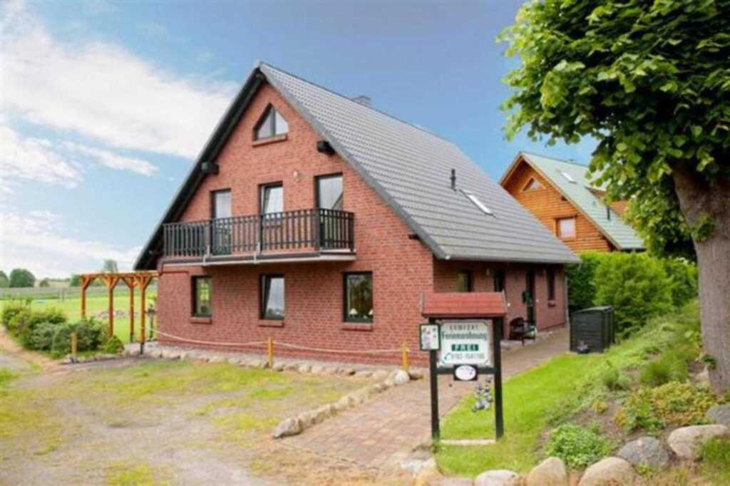 Ferienhaus am Jasmunder Bodden in ländlicher Lage